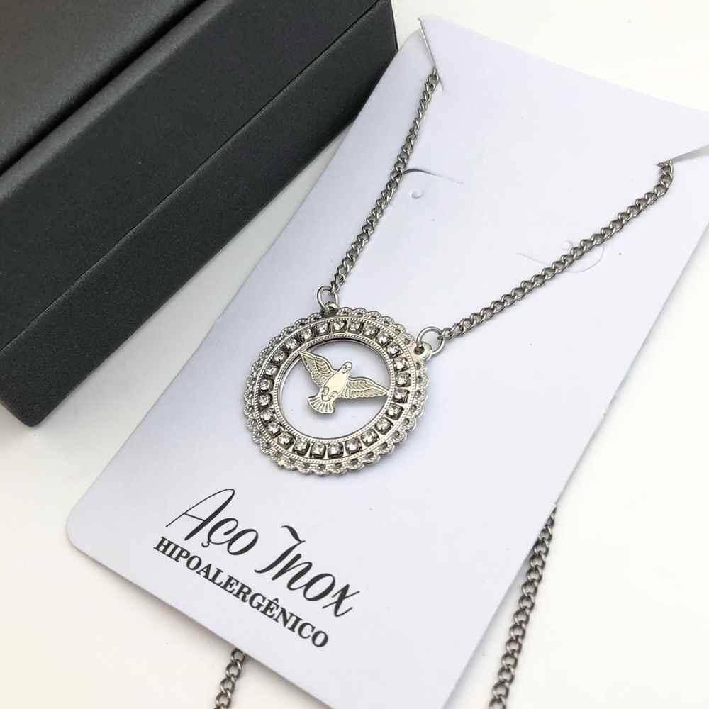 Colar feminino em aço inoxidável prata com mandala cravejada passaro pomba pombinha