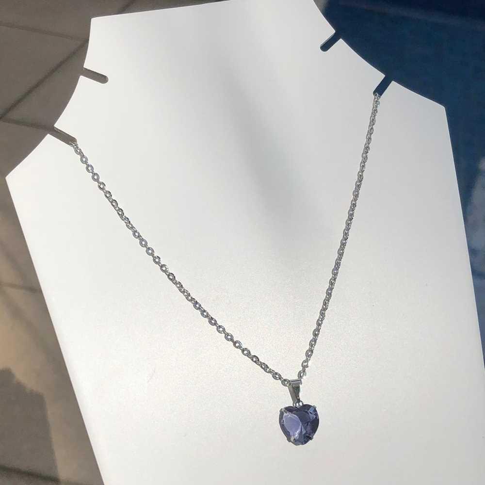 Colar feminino prata em aço inoxidável pedra coração lilás