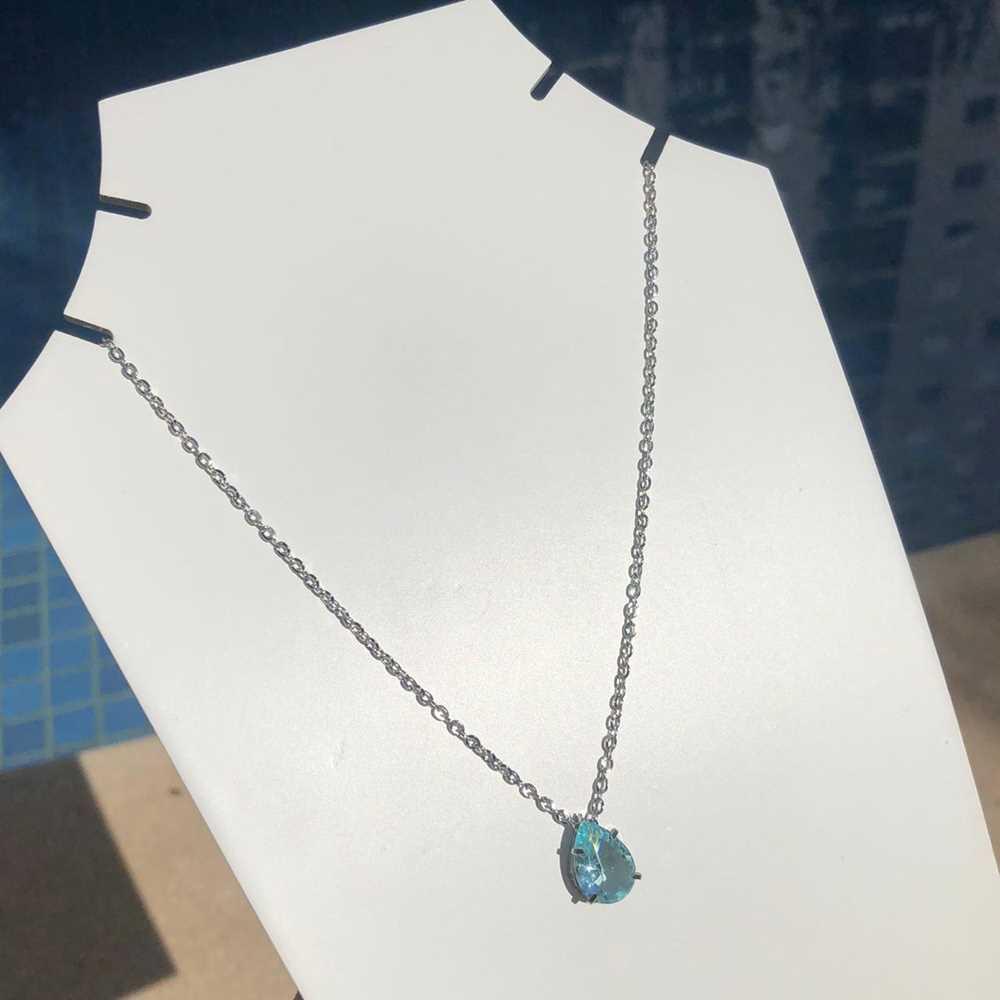 Colar feminino prata em aço inoxidável pedra gotinha azul bebê