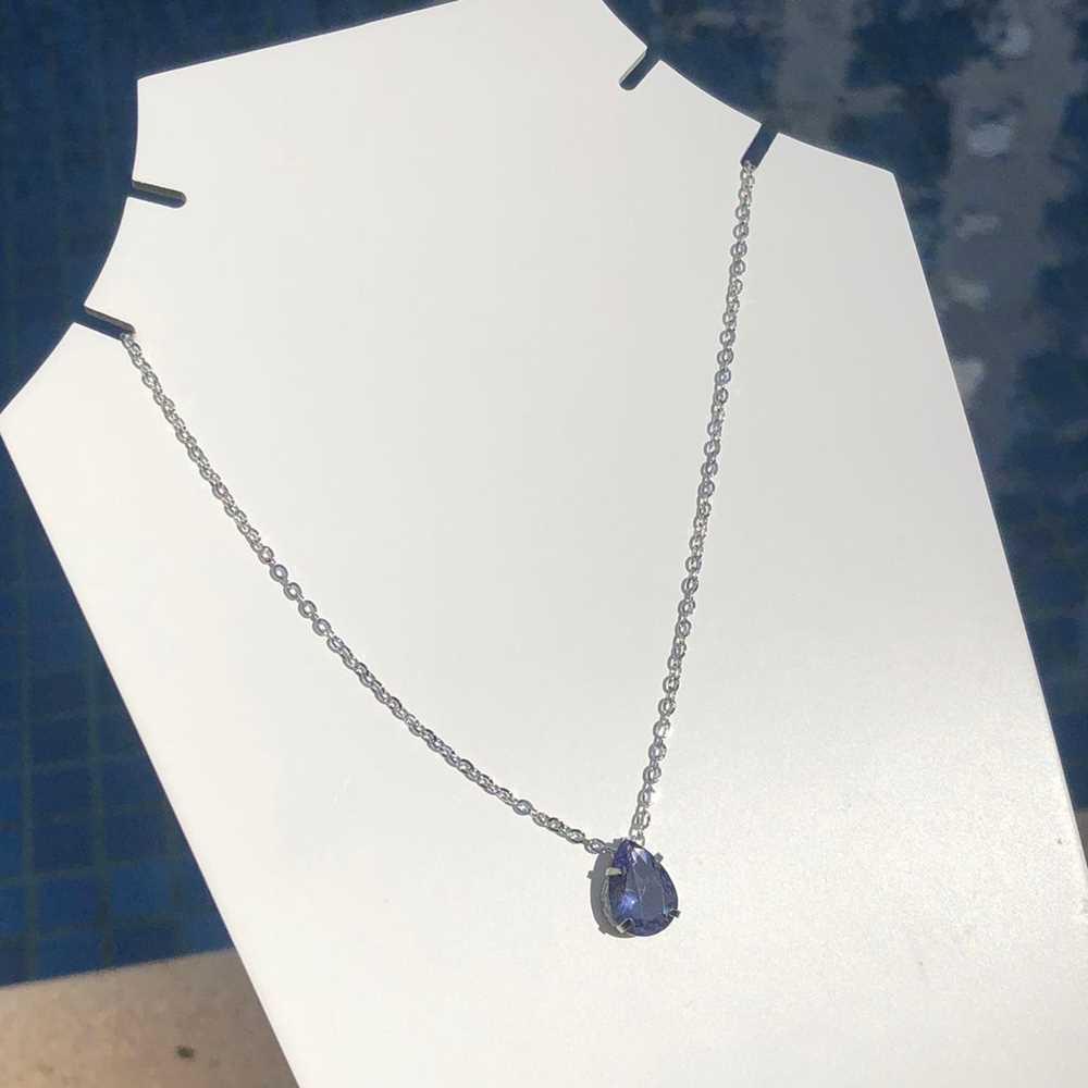 Colar feminino prata em aço inoxidável pedra gotinha lilás