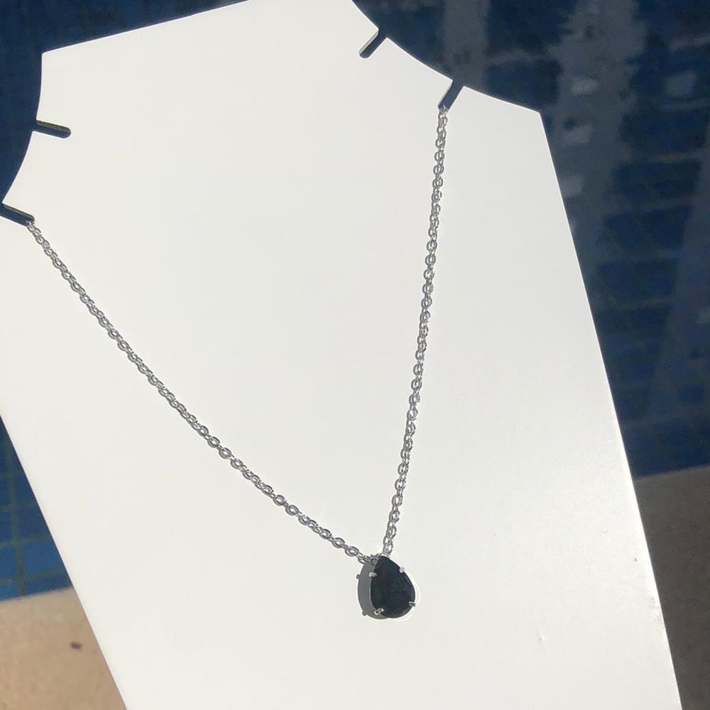 Colar feminino prata em aço inoxidável pedra gotinha preta