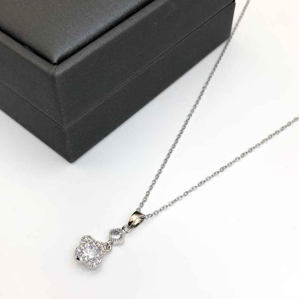 Colar feminino prata em aço inoxidável pingente cravejado pedrarias