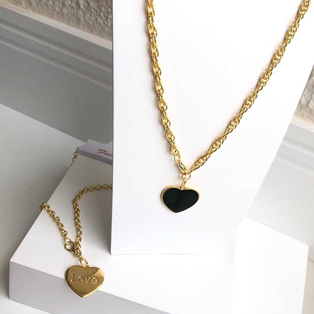Colar folheado a ouro feminino correntaria pingente coração esmaltado preto love