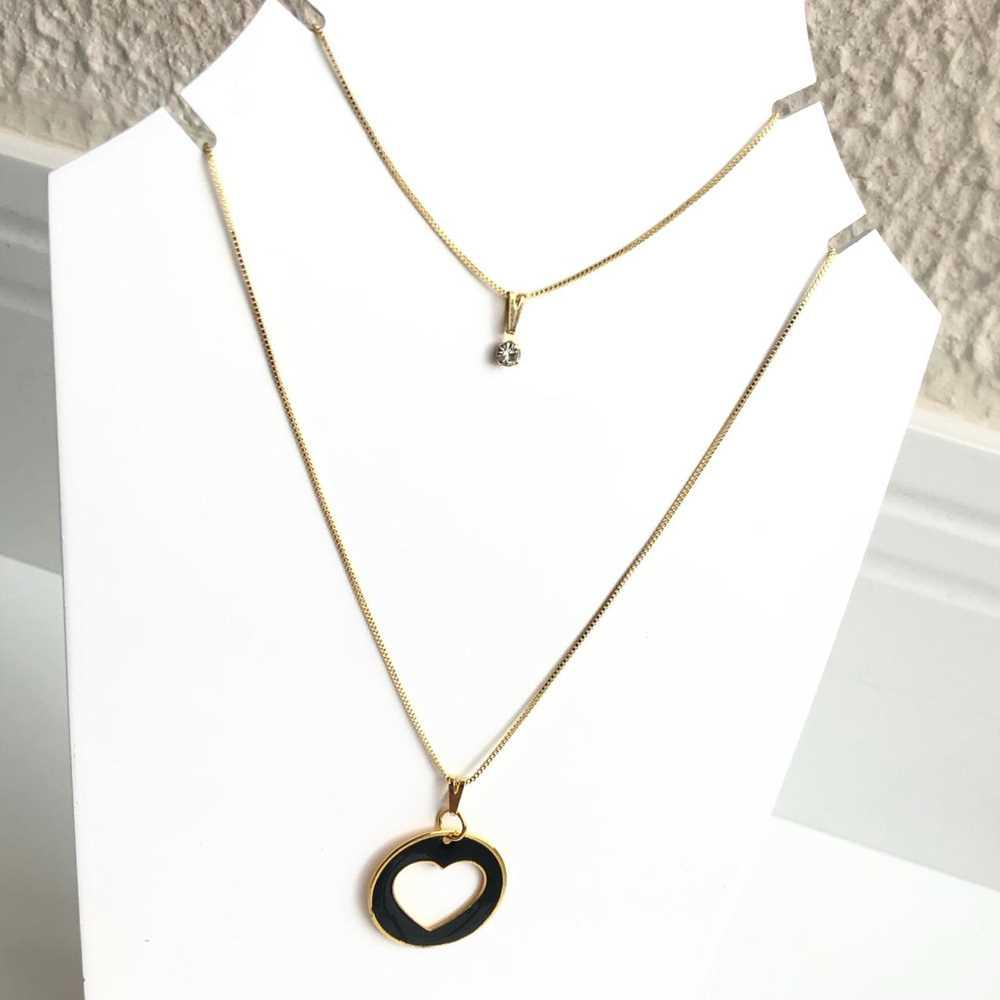 Colar folheado a ouro feminino duplo pingentes coração vazado esmaltado preto e ponto de luz