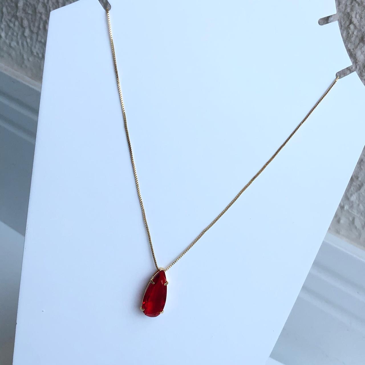 Colar folheado a ouro feminino gotinha vermelha