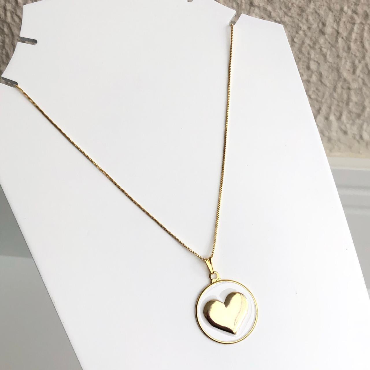 Colar folheado a ouro feminino mandala coração esmaltado branco