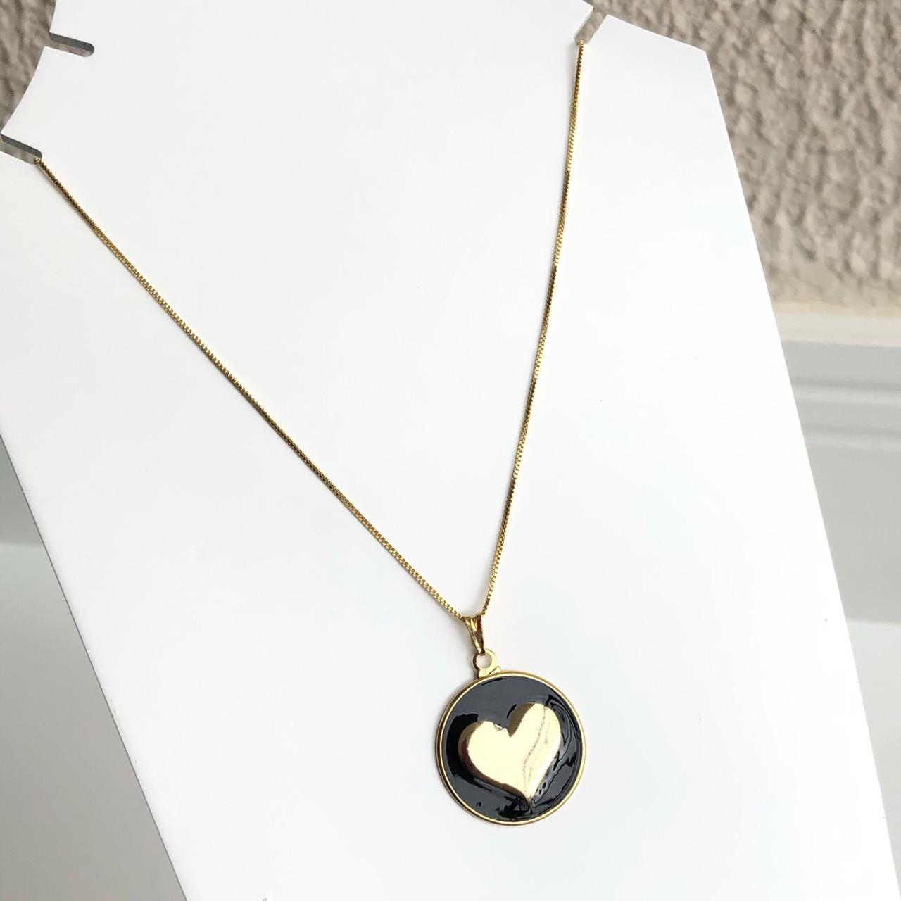 Colar folheado a ouro feminino mandala coração esmaltado preto