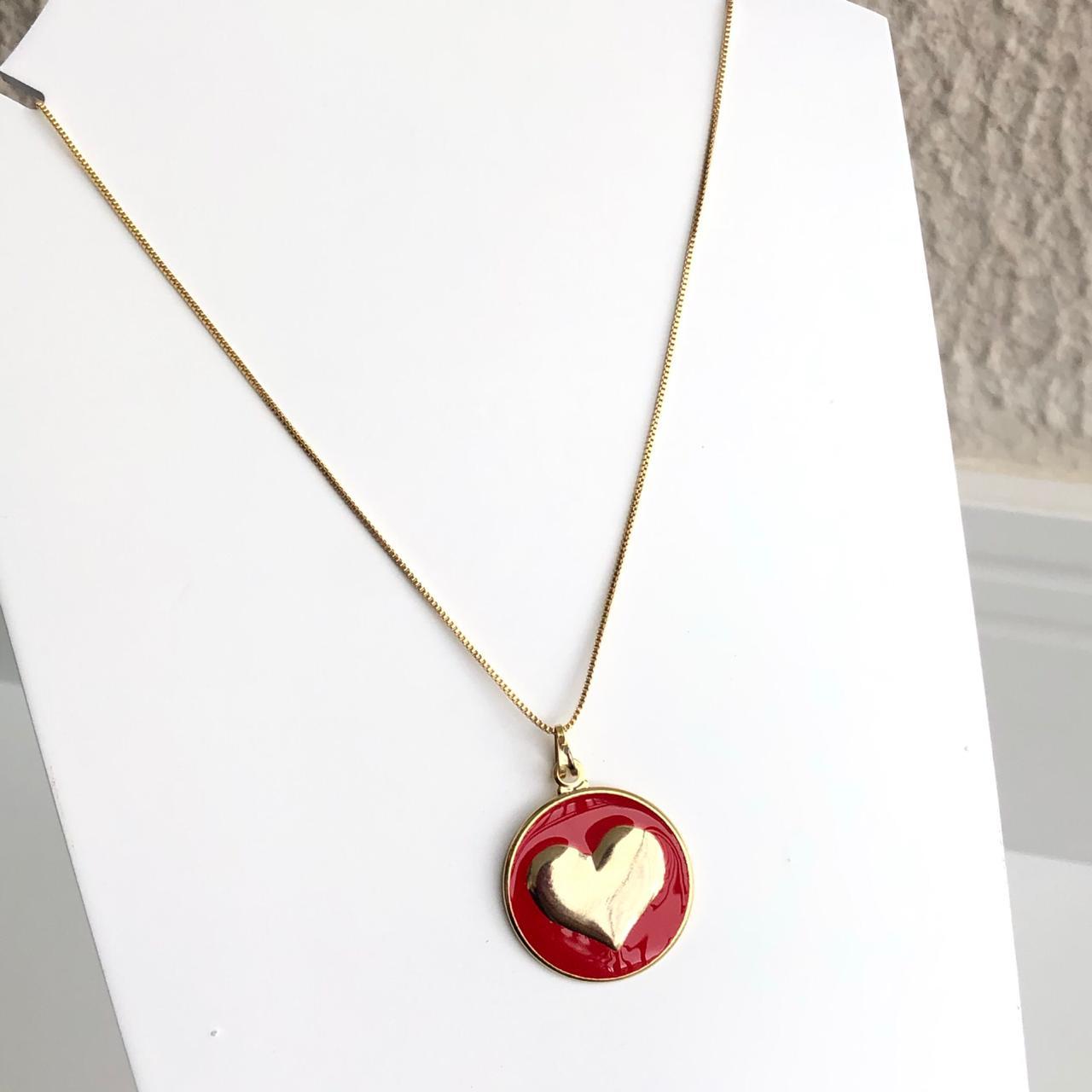Colar folheado a ouro feminino mandala coração esmaltado vermelho