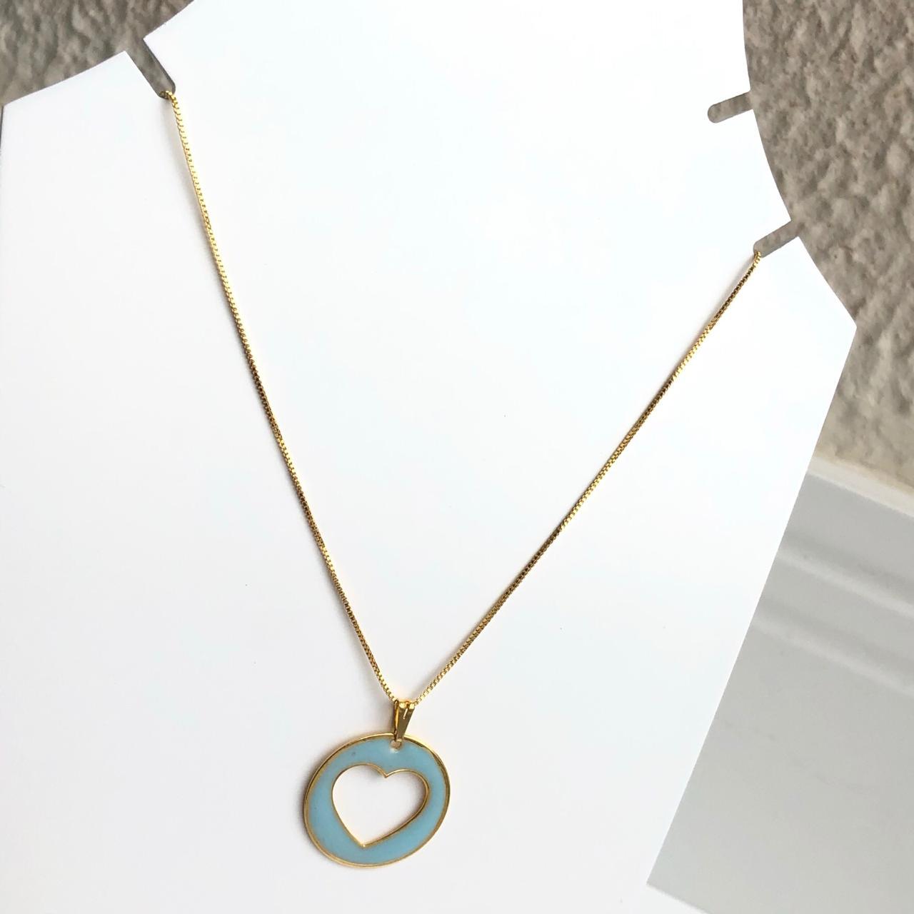 Colar folheado a ouro feminino mandala coração vazado esmaltado azul bebê
