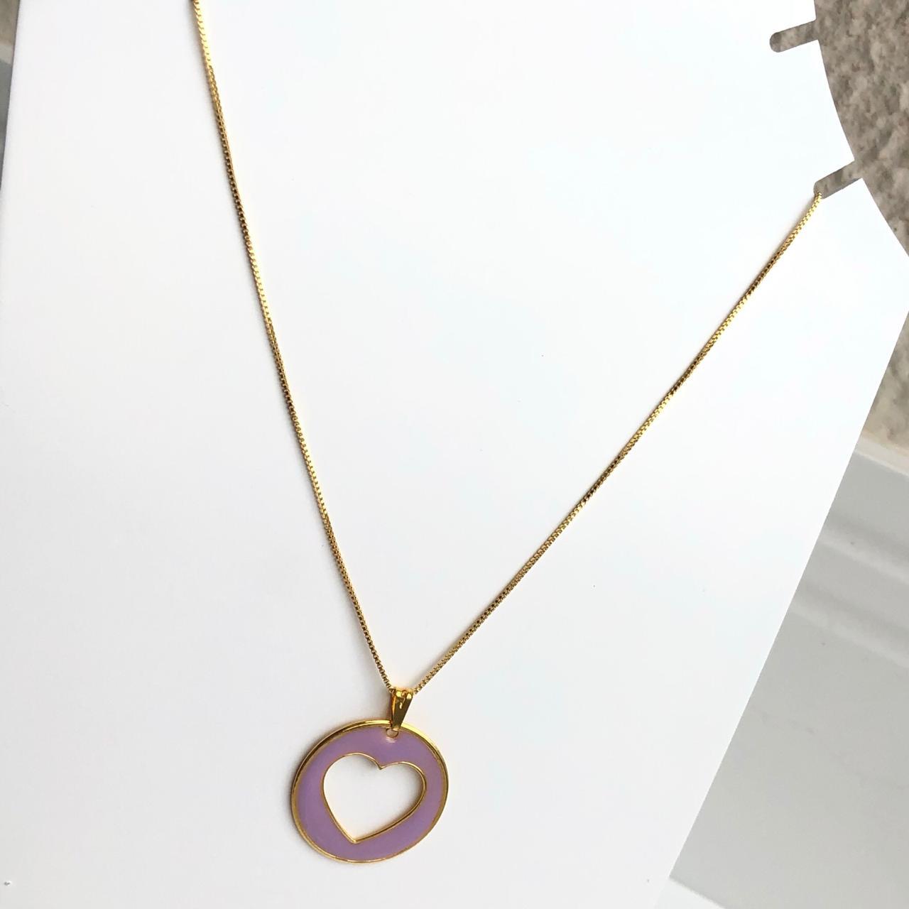 Colar folheado a ouro feminino mandala coração vazado esmaltado lilás