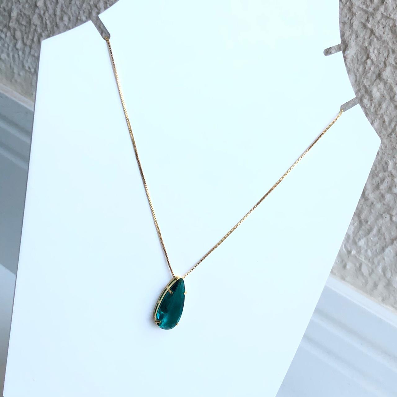 Colar folheado a ouro feminino pingente gotinha verde esmeralda