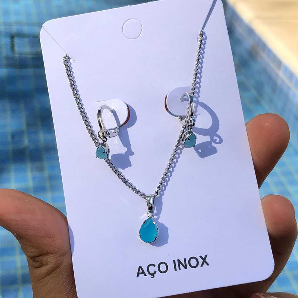 Conjunto colar e brinco argolinha com pedra gotinha azul celeste aço inox antialérgico
