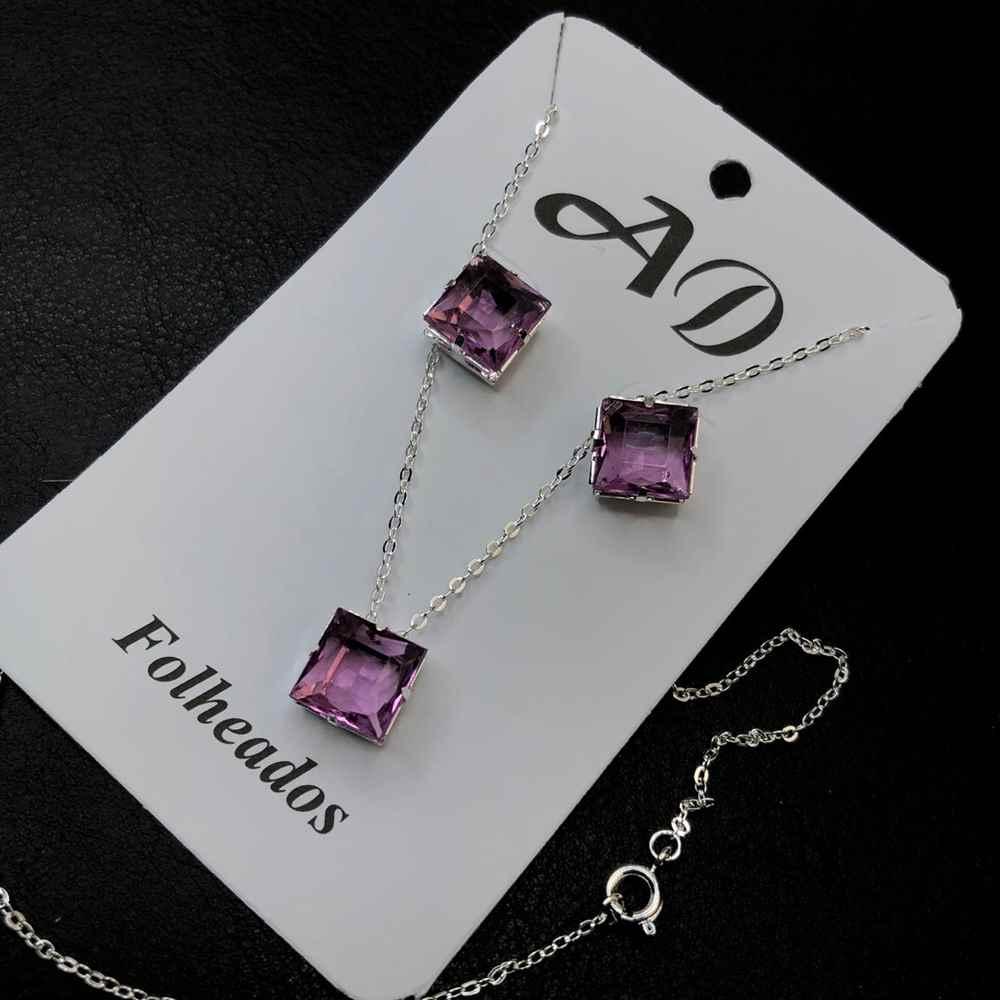 Conjunto de colar e brinco folheado a prata quadradinho lilás