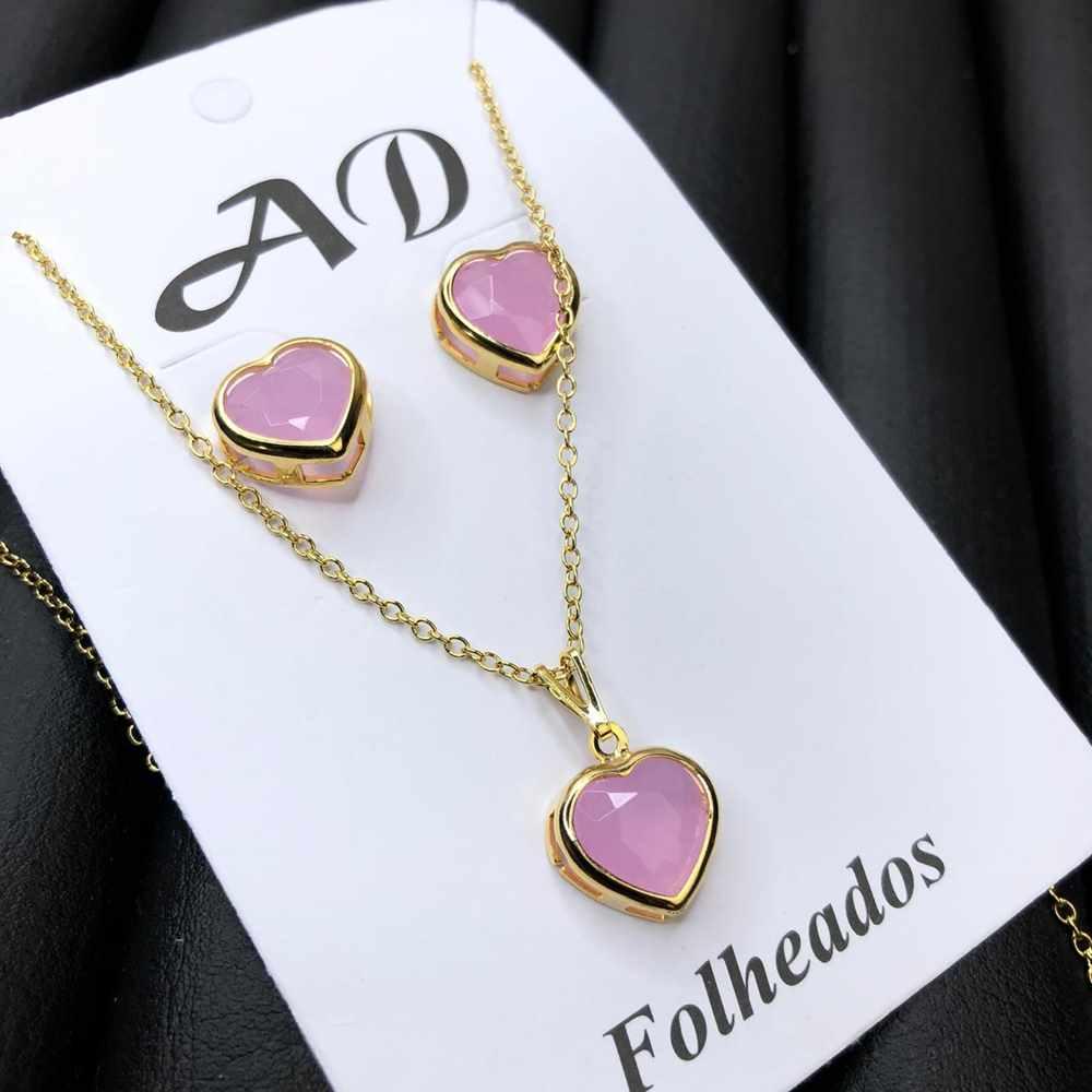 Conjunto de colar e brinco folheado coração rosa bebê