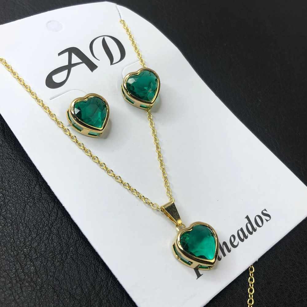 Conjunto de colar e brinco folheado coração verde esmeralda