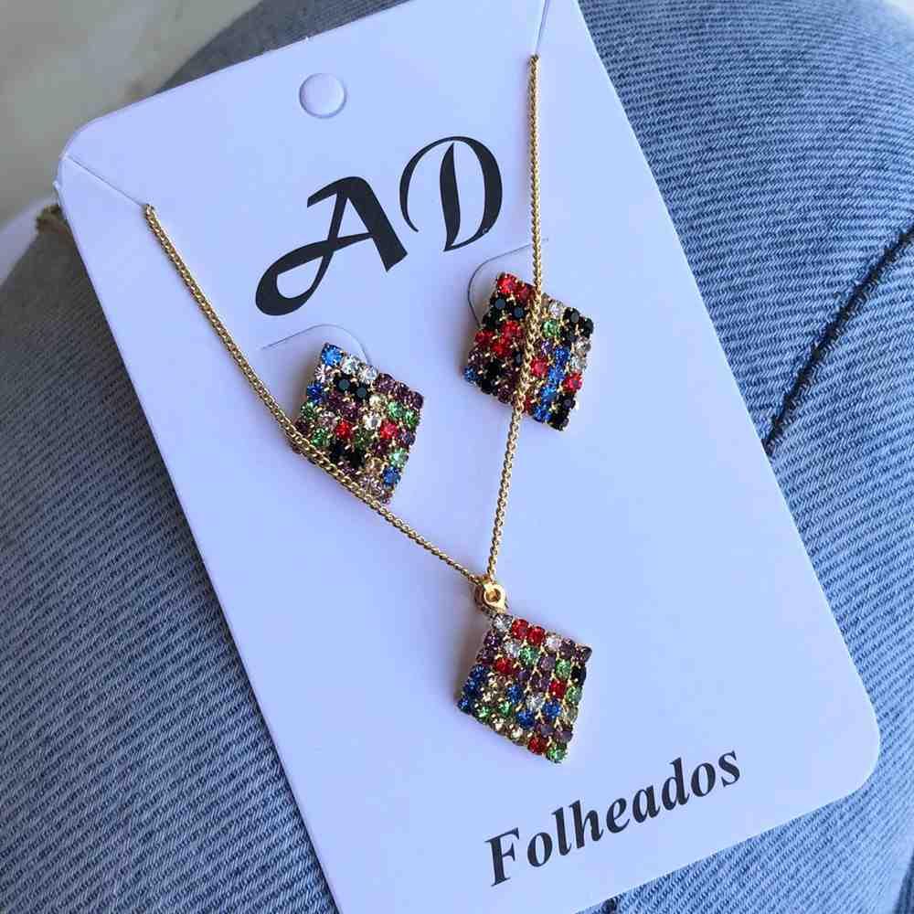 Conjunto de colar e brinco folheado quadradinho cravejado strass colorful