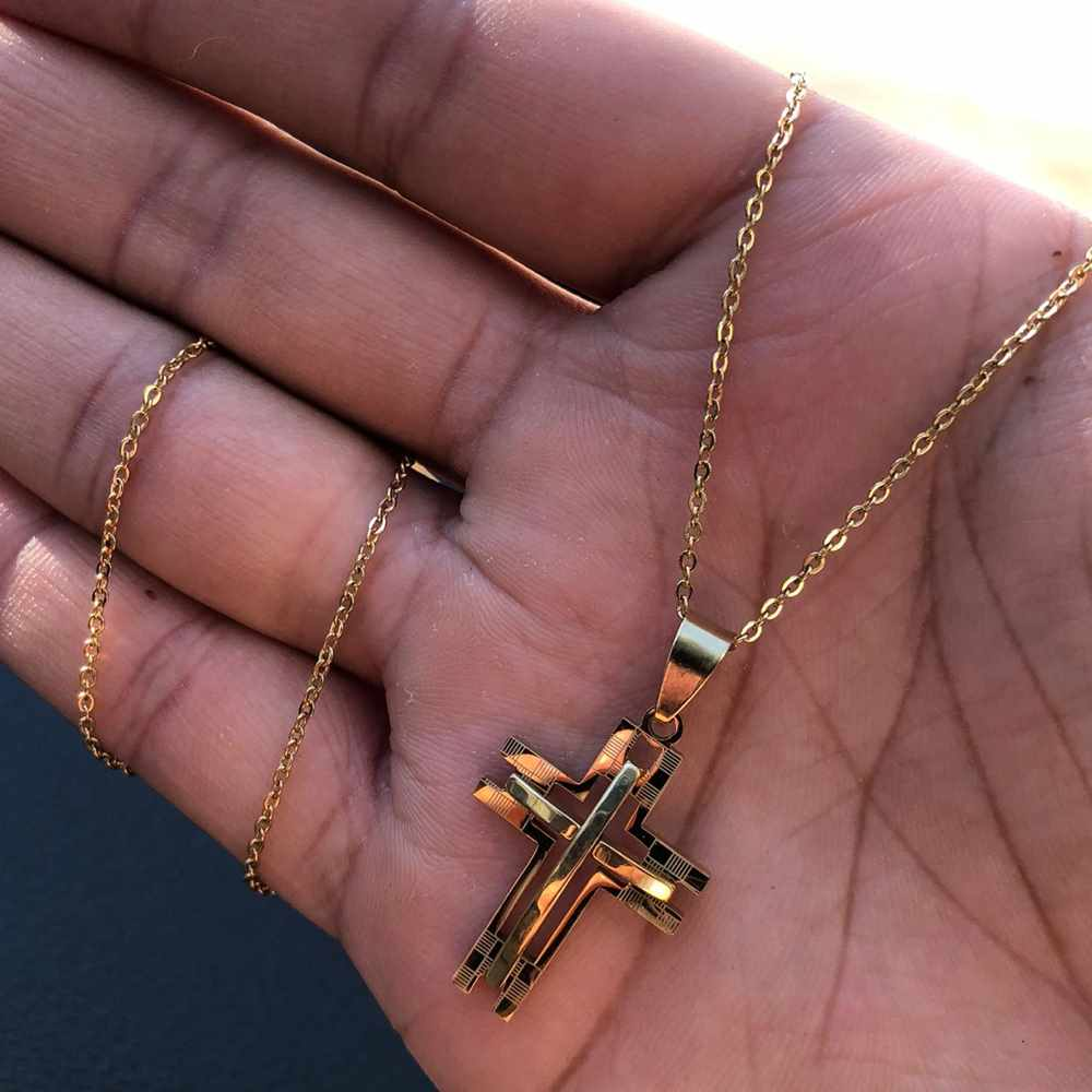 Corrente masculina cruz vazada dourada aço inoxidável - 50cm