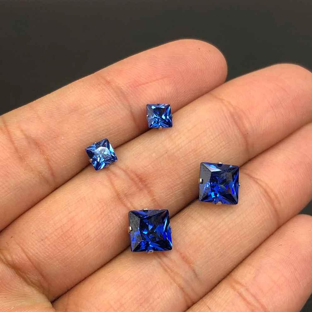 Duo de brincos em aço inox primeiro e segundo furo quadradinho azul marinho