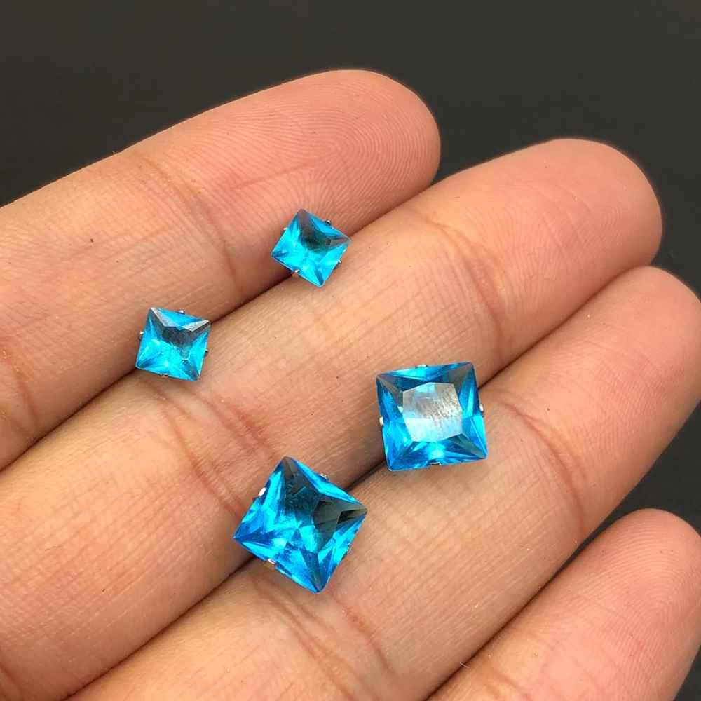 Duo de brincos em aço inox primeiro e segundo furo quadradinho azul piscina