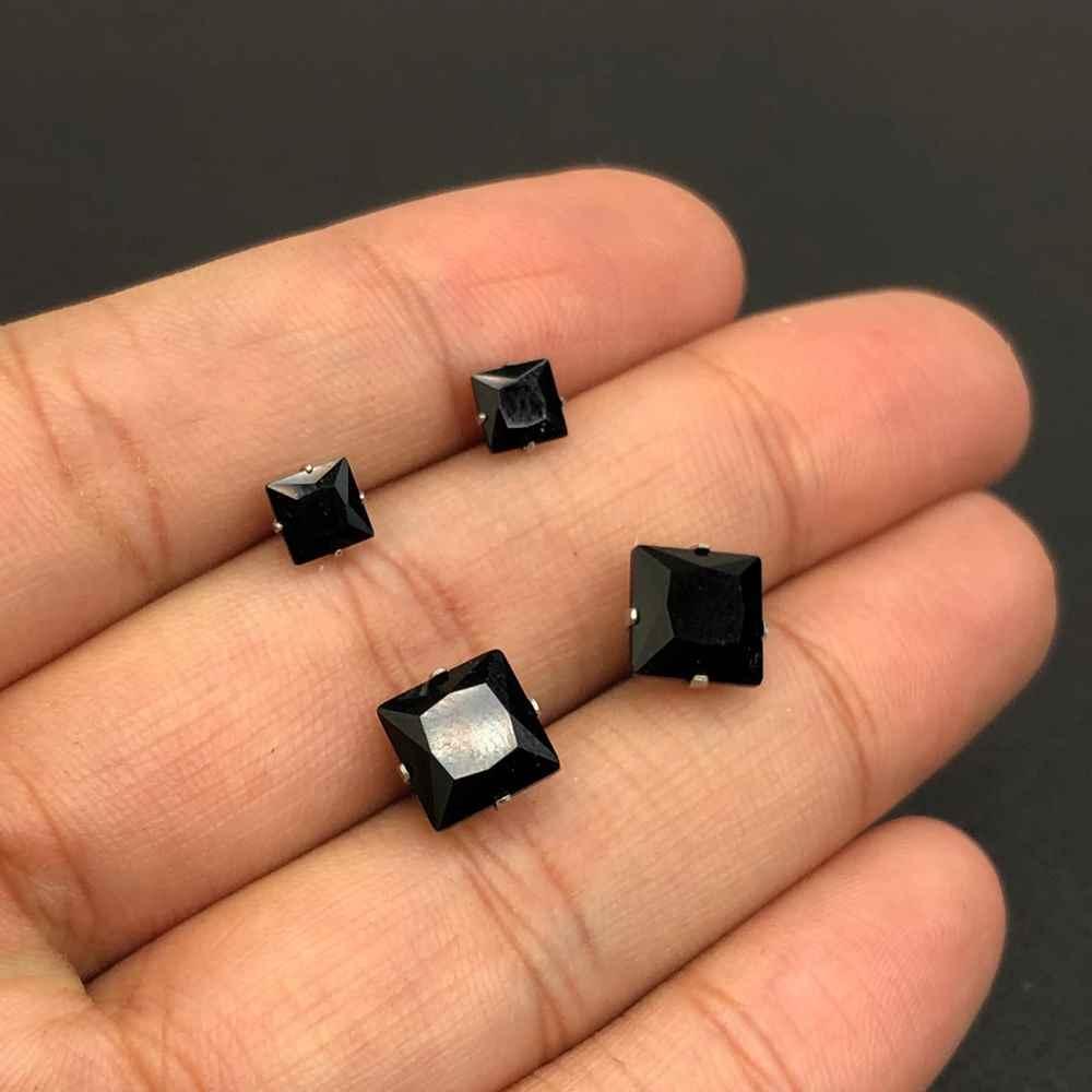 Duo de brincos em aço inox primeiro e segundo furo quadradinho preto