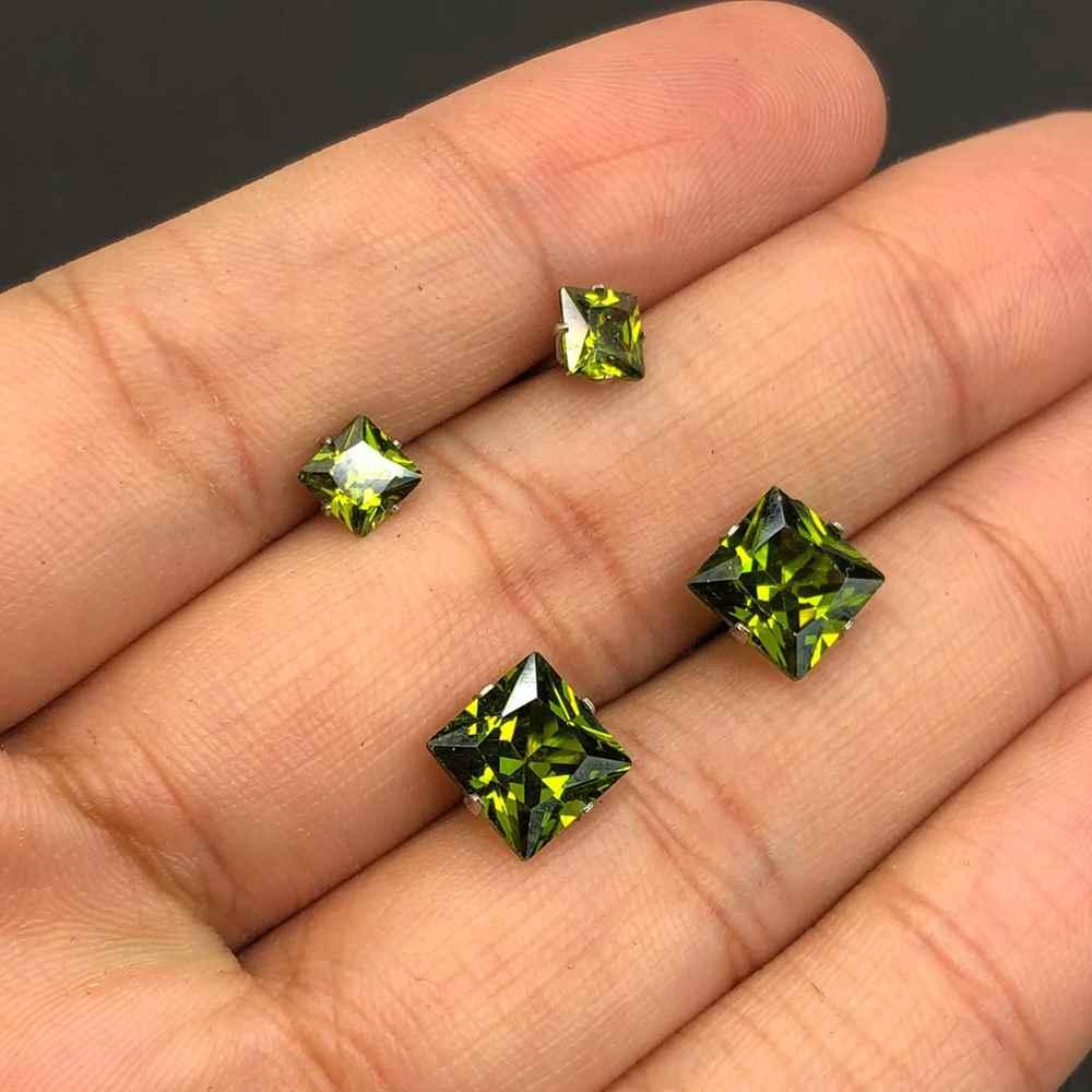 Duo de brincos em aço inox primeiro e segundo furo quadradinho verde esmeralda