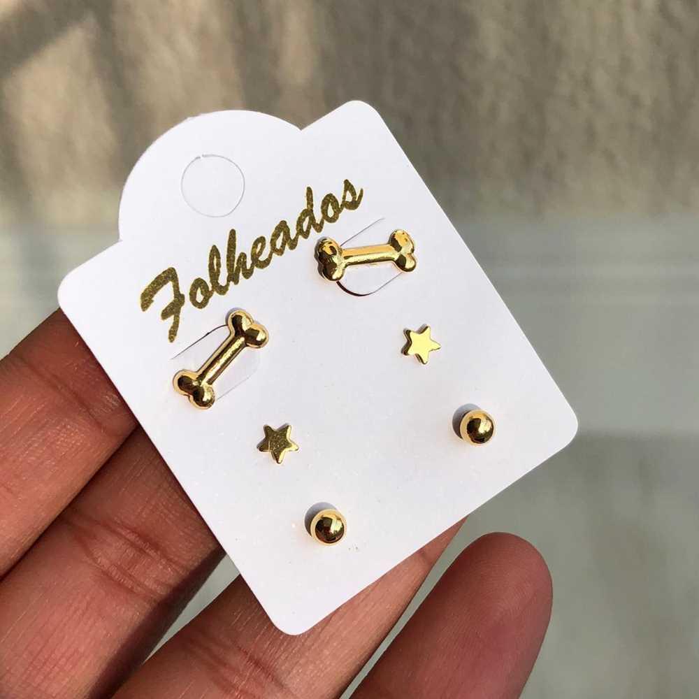 Kit de brincos pequenos 3 pares folheado a ouro ossinho pet, esfera lisa e estrela