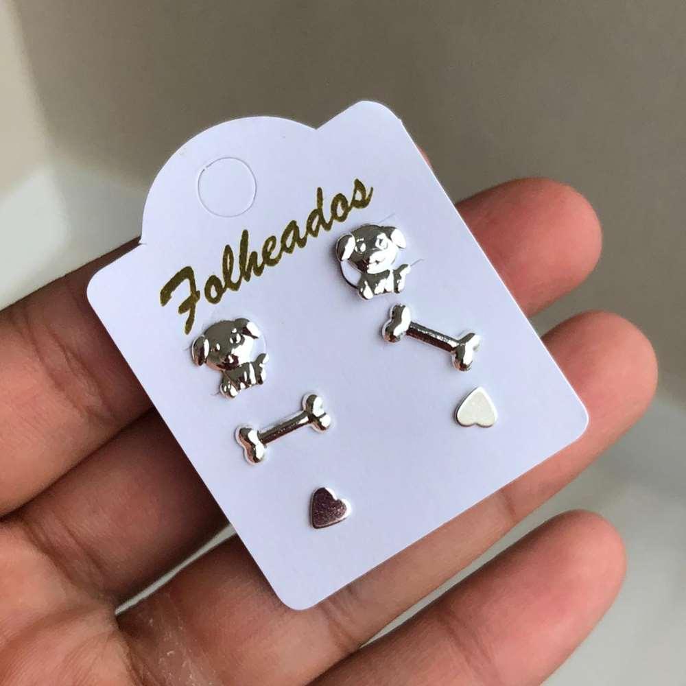 Kit de brincos pequenos 3 pares folheado a prata cachorro pet, ossinho e coração