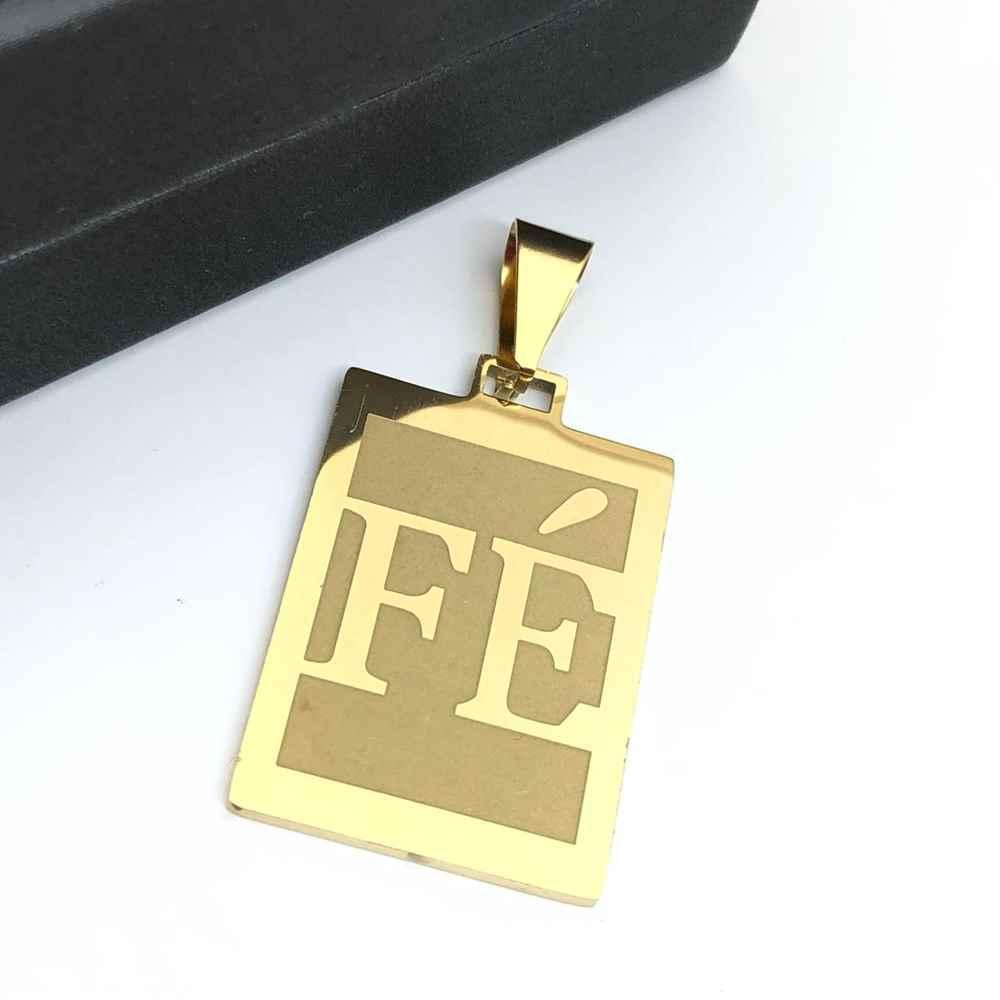 Pingente de aço banhado dourado placa FÉ