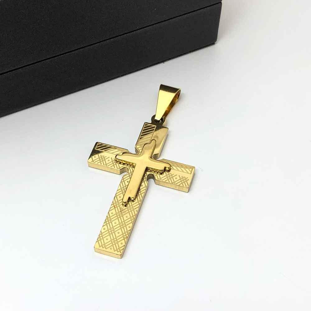 Pingente de aço dourada banhada cruz detalhada