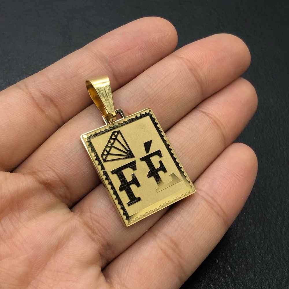 Pingente de aço dourado plaquinha com diamante FÉ