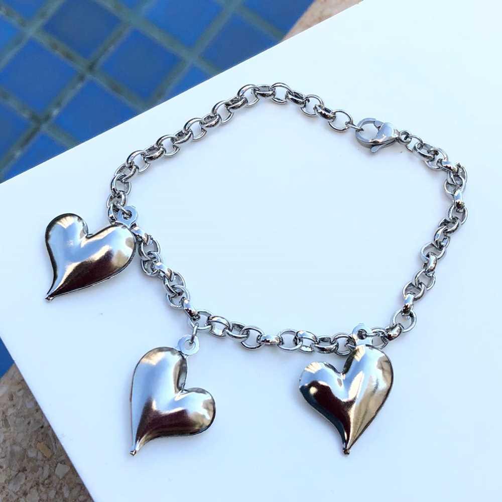 Pulseira de aço feminina elo português pingentes de coração