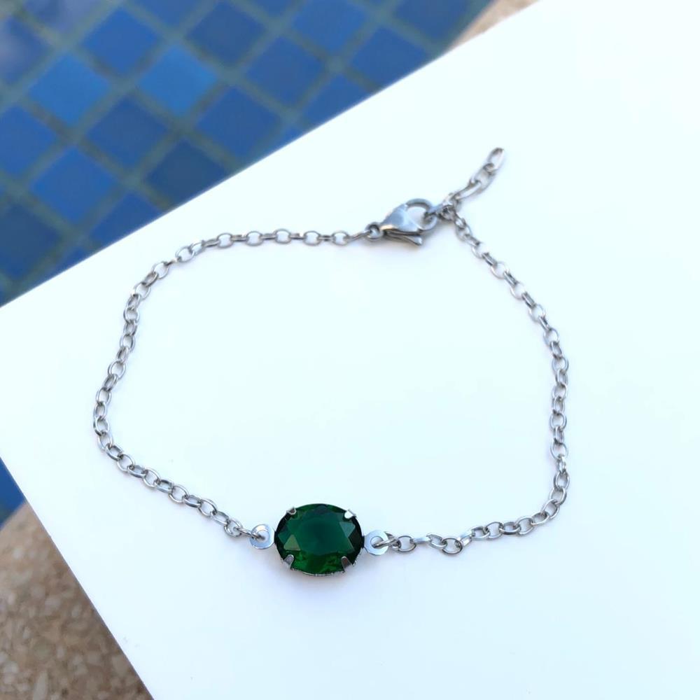 Pulseira de aço feminina pingente pedra oval verde esmeralda