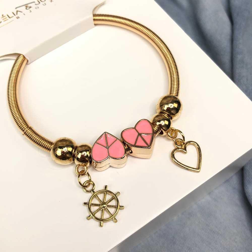 Pulseira de berloques infantil dourado pingentes variados coração esmaltado rosa