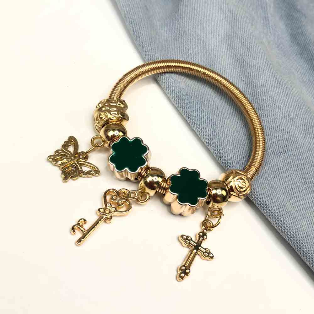 Pulseira de berloques infantil dourado pingentes variados trevo da sorte esmaltado verde