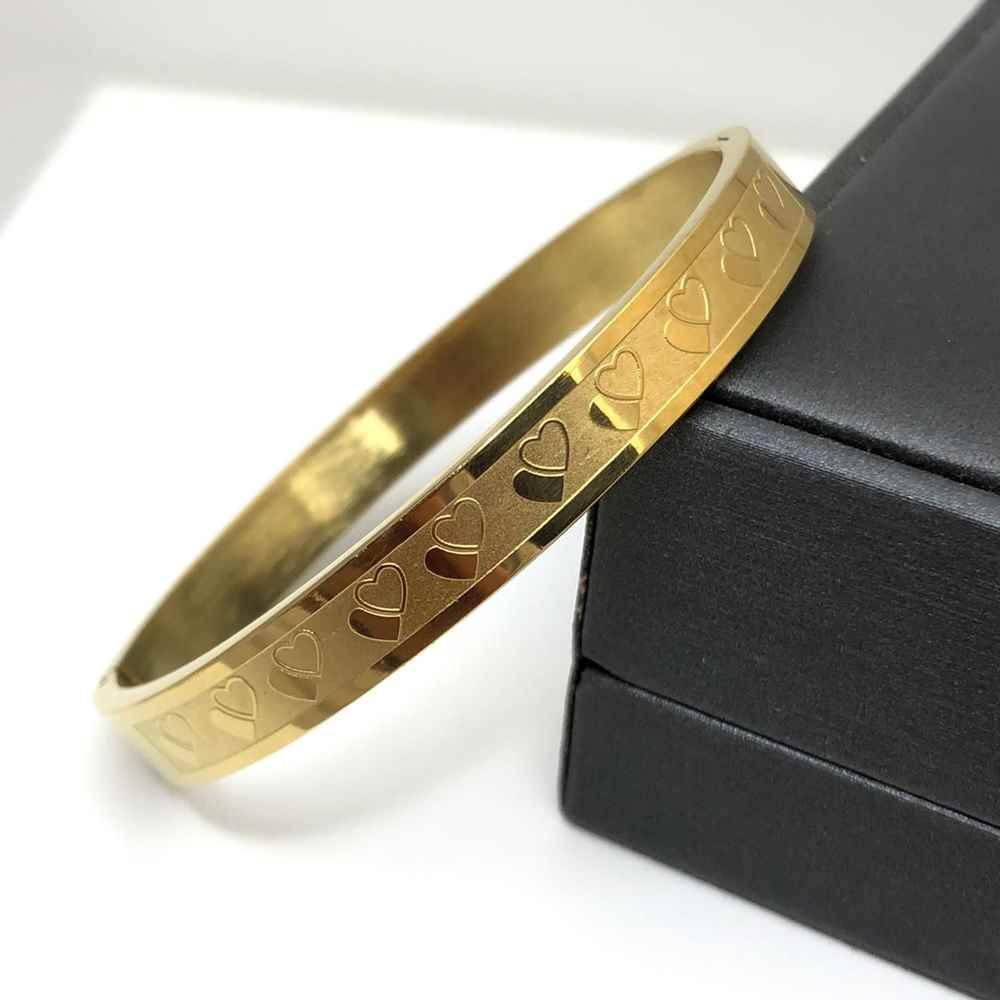 Pulseira feminina Bracelete dourada corações 8mm Aço Inoxidável