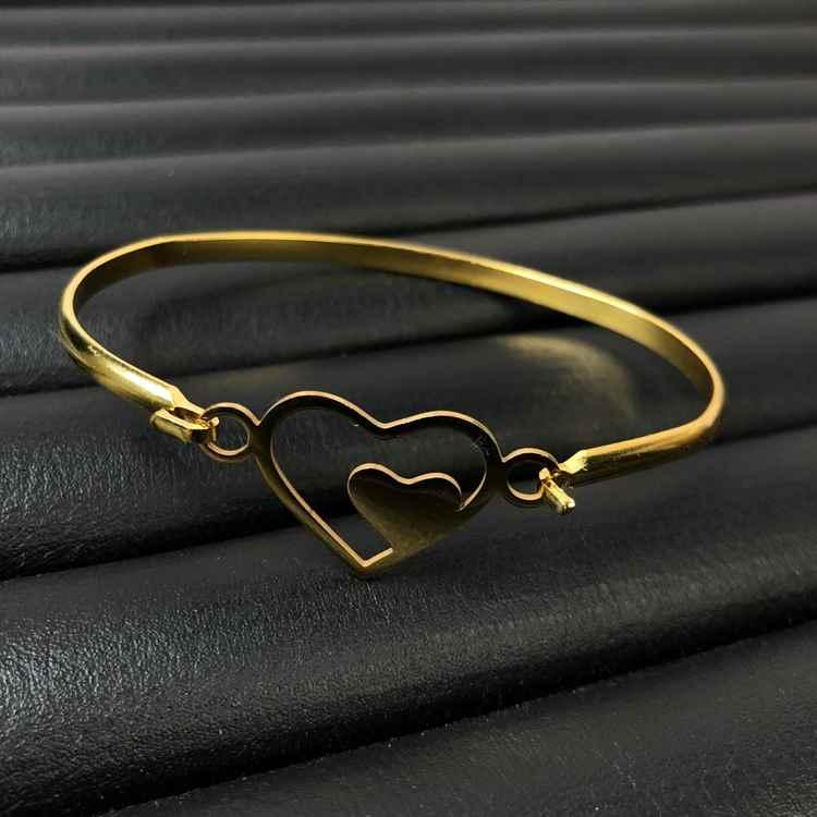 Pulseira feminina bracelete feminino em aço inoxidavel dourado coração duplo