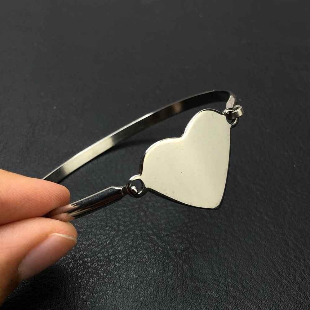 Pulseira feminina bracelete feminino em aço inoxidavel prata coração liso