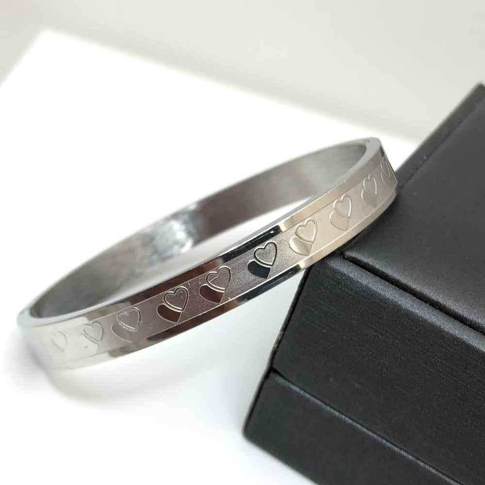 Pulseira feminina Bracelete prata corações 8mm Aço Inoxidável