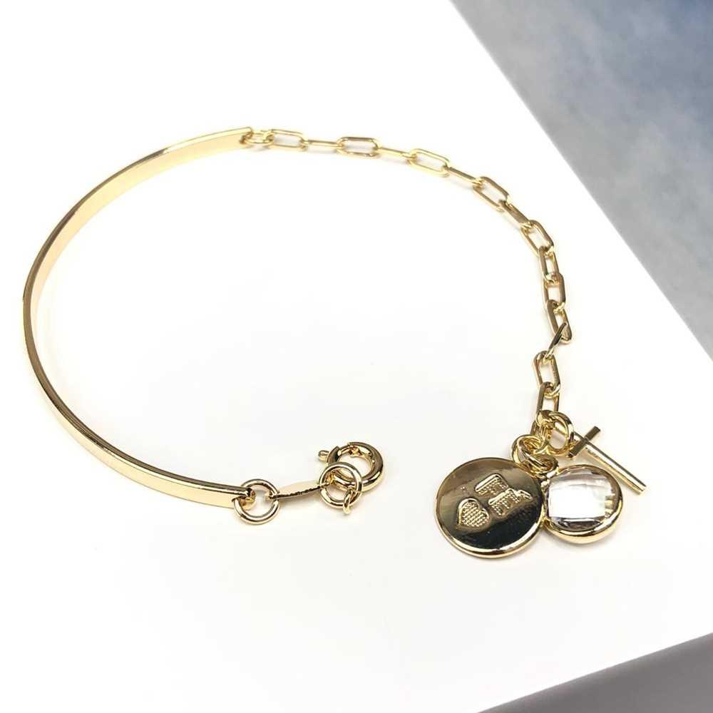 Pulseira feminina dourada lisa com elos pingente cruz, fé e cristal prata semijoia