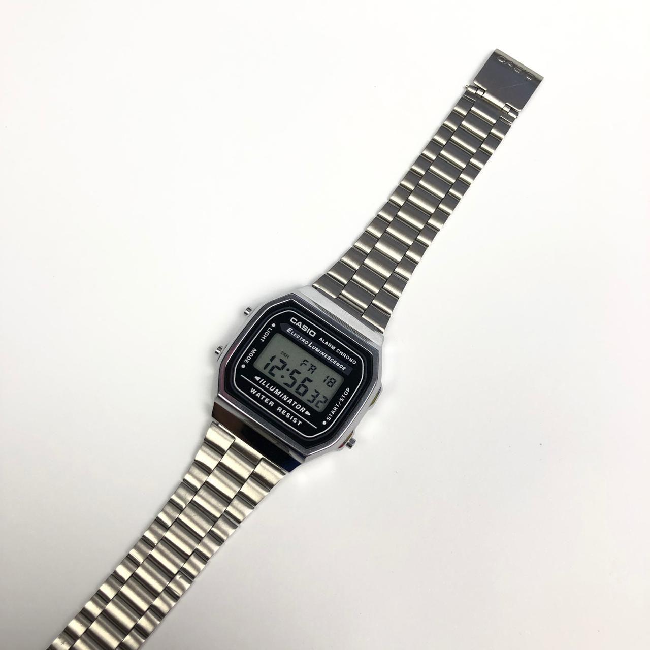d955ff0fca3 Relógio Unissex Vintage Retrô Prata Primeira Linha - LED AZUL ...
