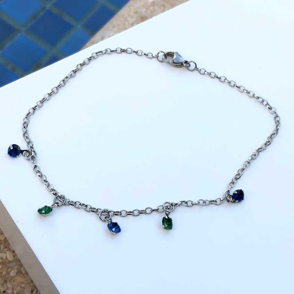 Tornozeleira feminina de aço inoxidável pedrarias ponto de luz verde esmeralda e azul marinho