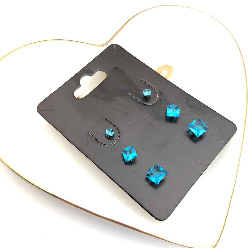 Trio de brincos em aço inox primeiro, segundo e terceiro furo quadradinho azul piscina