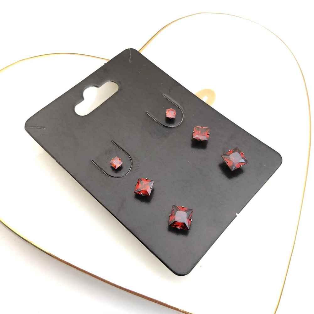 Trio de brincos em aço inox primeiro, segundo e terceiro furo quadradinho vermelho