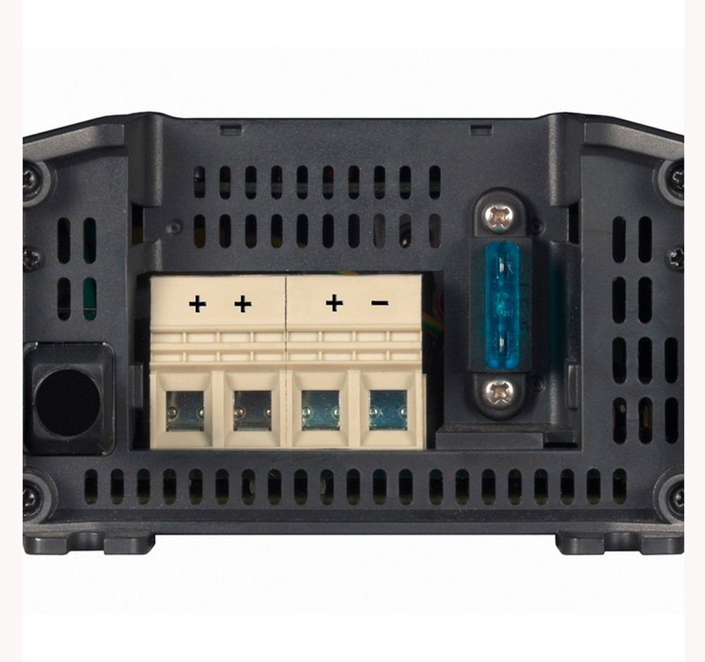 Controlador de Carga (Carregador) de Bateria Náutico Victron Blue Smart IP22 12V 20A para Barcos e Lanchas