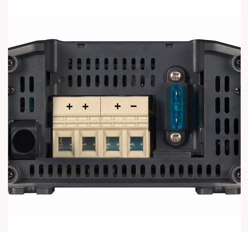 Controlador de Carga (Carregador) de Bateria Náutico Victron Blue Smart IP22 12V 30A para Barcos e Lanchas