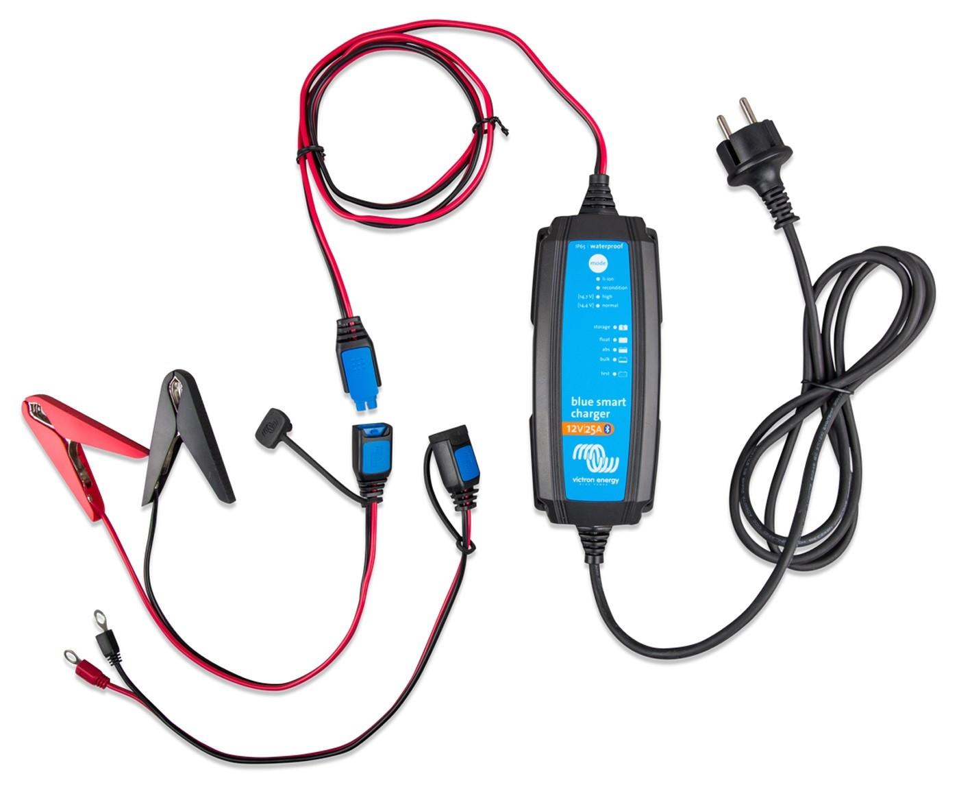 Controlador de Carga (Carregador) de Bateria Náutico Victron Blue Smart IP65 12V 25A para Barcos e Lanchas