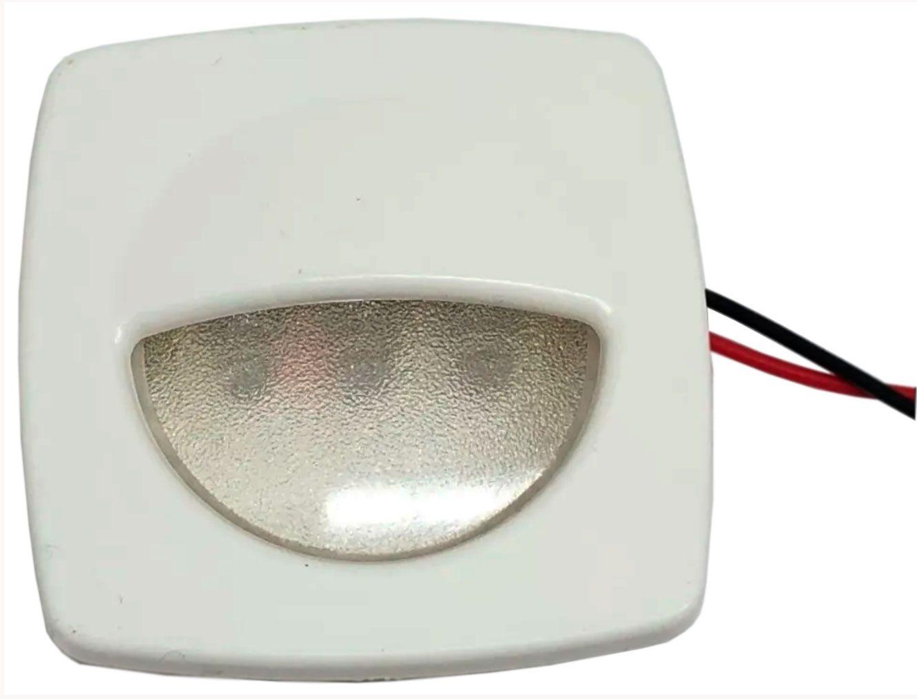 Luz de Cortesia Extra Forte com 3 LEDs 12V de Sobrepor em Plástico Branco p/ Barcos e Lanchas