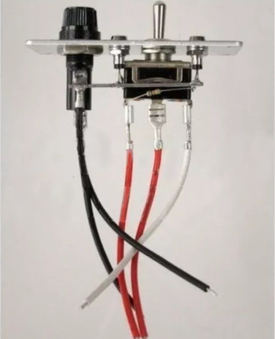Painel Elétrico para Bomba de Porão 12V 5A com 3 Posições em Alumínio com LED e Fusível