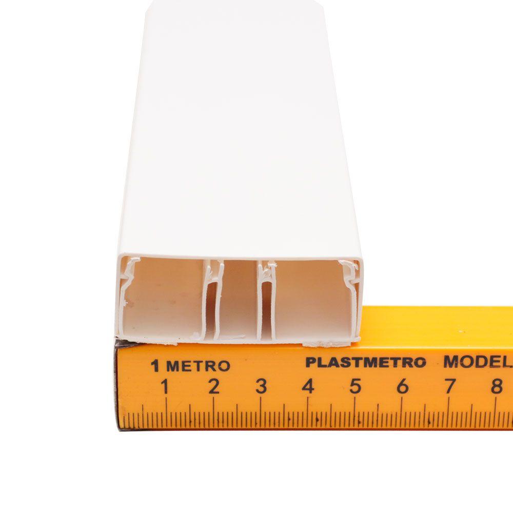 Canaleta De PVC reforçada com Divisoria 50 x 20 x 2000 mm Branca Com Fita Dupla Face