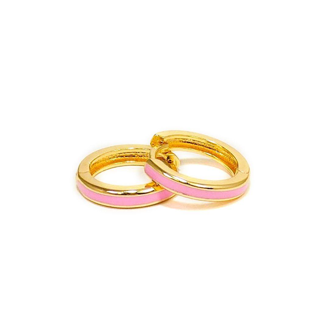 Brinco Argola Média com aplique Esmaltado Rosa Banho Ouro 18k